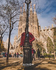 This man stands leaning against the street lamp looking up in amazement at the wonderful sangrada familia. · · · · · #barcelona_turisme #gaudí #travel #visitbarcelona #barcelonalife #gaudisecond #gaudikirov #gaudipark #barcelona #gaudiarchitecture #spain (justin.photo.coe) Tags: ifttt instagram this man stands leaning against street lamp looking up amazement wonderful sangrada familia · barcelonaturisme gaudí travel visitbarcelona barcelonalife gaudisecond gaudikirov gaudipark barcelona gaudiarchitecture spain igerscatalunya gaudi catalunya gaudibarcelona gaudijeans antonigaudi barcelonagram barcelonaworld barcelonaexperience parkguell architecture barcelonainspira bcn barcelonacity barcelonalovers igersbarcelona sagradafamilia justinphotocoe
