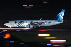 SU-GEC EgyptAir Boeing 737-866 (buchroeder.paul) Tags: eddl dus dusseldorf international airport germany europe ground night sugec egyptair boeing 737866