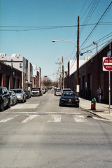 Street of Philadelphia (Fishtown) (phillyfamily) Tags: fujicolor400x36 philadelphia analogue argentique digitization film numérisation