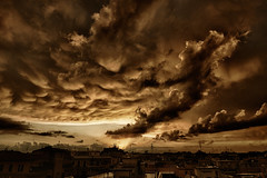 olha - look (paulopar.rodrigues) Tags: local bairro cidade city exterior italia neighbourhood parioli roma naturenatureza céu cloud núvem sky photofoto captureone color fuji xt1