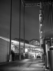 Night Alley (ucn) Tags: zeissikondonata2277u tessar135cmf45 berlin mitte nacht night friedrichstrasse