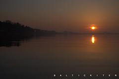Sonnenuntergang 19.01.2019 (baltickiter) Tags: ostsee natur nebel nikond5100 wasser vögel strand salzhaff