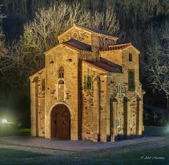 San Miguel de Lillo (aberu1963) Tags: nikonistasphotography nocturna nikonistasspain nikon bfp naranco asturias preromanico nikonistasasturias oviedo noche d810 nikonistasespaña nikonistas españa es