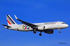 Airbus A320 ~ F-HEPG  Air France (Aero.passion DBC-1) Tags: spotting cdg 2013 dbc1 david biscove aeropassion avion aircraft aviation plane roissy airport airlines airliner airbus a320 ~ fhepg air france
