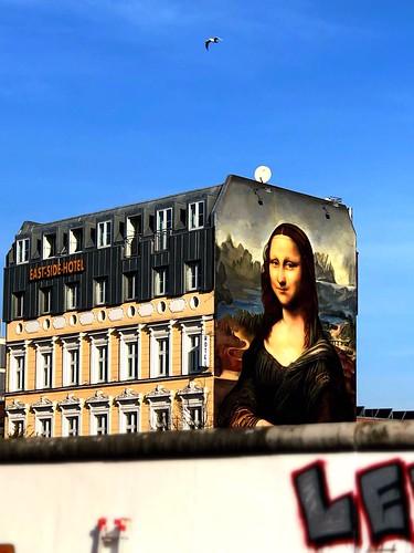 Mona Lisa behind the Berlin Wall