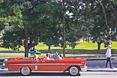 Antiguo (Campanero Rumbero) Tags: lahabana cuba day dia travel turismo trip auto automovil carro red rojo arbol arboles city ciudad street calle people gente isla island caribe