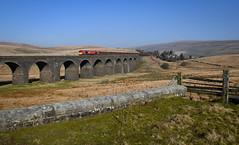66065 crossing Dandry Mire Viaduct (robmcrorie) Tags: dandry mire viaduct moorcock garsdale head hates junction line branch midland railway settle carlisle 66065 newbiggin tees dock gypsum empties 6e97 nikon d850 1z10