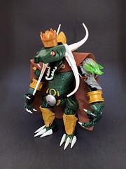 N. A. Konda 2 (Ballom Nom Nom) Tags: bionicle lego herofactory ccbs toy model moc ballomnomnom reptile reptilian monarch king lizard snake crown gold green animal