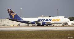 Boeing 747-400 (N418MC) Atlas Air (Mountvic Holsteins) Tags: boeing 747400 n418mc atlas air mia miami international airport florida