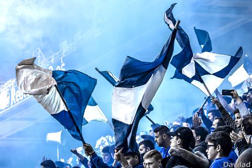 Banderas y humo