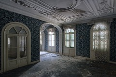 Do you want nice things? Sure, you do (Alessio Gioana) Tags: abandoned decay decayed abbandono decadenza urbex urba exploration wallpaper light luci windows finestre architecture