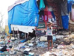 India (Nidal Jenaiah) Tags: person potrait photography photograph personen calle city streetphotography street strasse strassenfotografie shadow silueta silluet afrika urban landstrase siluette architektur gebäude mumbai indien india asia cst slum