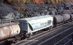 Flexi-Flo (NSHorseheadSD70) Tags: robert tokarcik freight cars covered hoppers trains railroads railways pc penn central conrail flexiflo flexi flo benny bennington pennsylvania pa