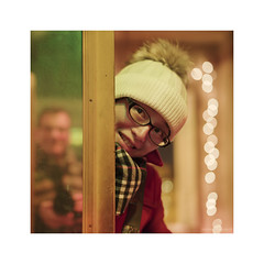 _PXK0401wtm (Concert Photography and more) Tags: 2018 winter december italy pisa tuscany indoor lights boke bokeh portrait mirror reflection hotelvictoria victoriapisa pentax pentaxk1 pentax50mmf14 hdpentaxfa50mmf14sdmaw posing girl