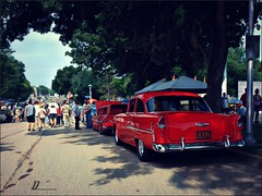 Following the crowd (novice09) Tags: backtothefifties carshow chevrolet 1955 belair vinci ipiccy