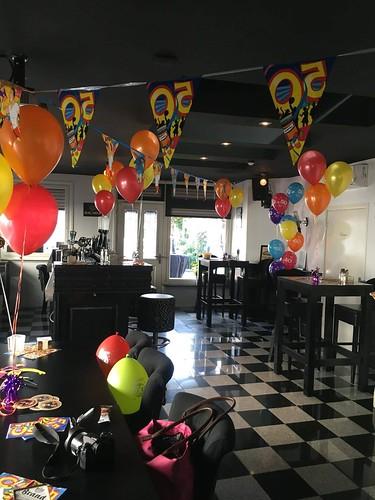Tafeldecoratie 3ballonnen 50 Jaar Wijnbar Gapps Spijkenisse