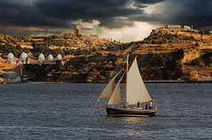 Theme : Sailboats - Coming home (Acyro) Tags: acyro portugal lisboa lisbon rio river tejo tagus boats sailboats velas