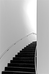 Museum Stairway (sswj) Tags: stairs steps stairway moma availablelight existinglight monochrome nikon d600 nikkor28300mm blackandwhite bw abstract abstraction abstractreality scottjohnson simplicity minimalist minimalism