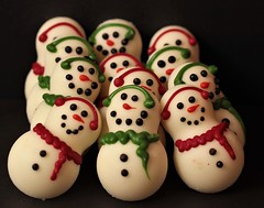 Snowmen.. (catherine4077) Tags: snowmen candy whitechocolate colorful delicious