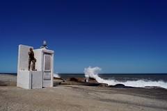 Punta del Diablo - péninsule 13 (luco*) Tags: amérique du sud south america del sur uruguay punta diablo monument vugues waves mer sea océan ocean atlantique atlantic ciel sky flickraward flickraward5