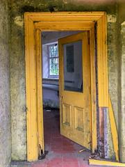 Yellow door (Donard850) Tags: yellowdoor yellow ardspeninsula countydown decay derelict door