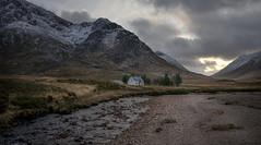 House in Glencoe (Evo800) Tags: scotland glencoe scottish highlands cottage river mountains nikon 2019