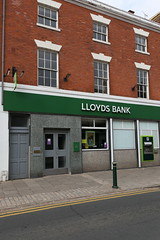 Atherstone, Lloyds Bank (Clanger's England) Tags: atherstone england warwickshire wwwenglishtownsnet bank et boe