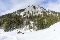 Brünnstein und Brünnsteinhaus (Uli - www.auf-den-berg.de) Tags: brünnstein brünnsteinhaus berg mountain alpen alps bayern bavaria outdoors winter schnee snow