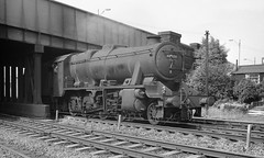 Homeward bound (Garter Blue) Tags: leeds hunslet steam loco lms lme stanier 8f bw mnochrome film 35mm fed