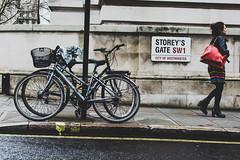Streets of London (Tolkimov) Tags: england europa europe inglaterra london londres reinounido uk unitedkindom street bicycles bicicletas sign calle