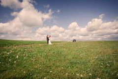 brautauto-hochzeit-brautpaar-herborn (weddingraphy.de) Tags: wedding hochzeit hochzeitsreportage hochzeitsfotograf herborn auto oldtimer realwedding realweddings fotograf weddingphotography photography hochzeitsfotografherborn