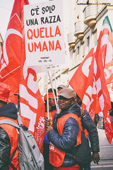 DSCF7222 (Alessandro Gaziano) Tags: foto fotografia alessandrogaziano colori colors people italia italy manifestazione visioni roma gente manifestare bandiere reportage