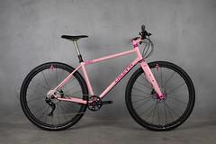 4U0A7655.jpg (peterthomsen) Tags: coveypotter gravel pink rodeolabs santacruzbicycles whiteindustries scrambler steel chrisking nahbs caletti