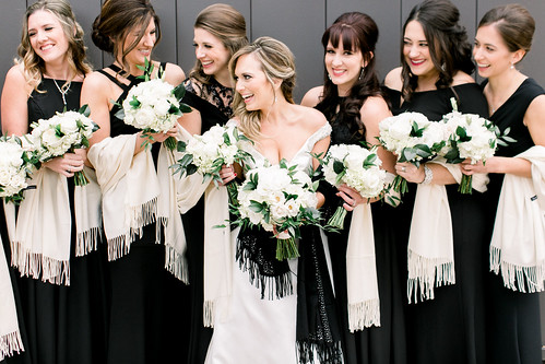 """White Traditional Bouquet • <a style=""""font-size:0.8em;"""" href=""""http://www.flickr.com/photos/81396050@N06/47440171282/"""" target=""""_blank"""">View on Flickr</a>"""
