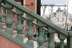 Balustrade et diagonale (Sokleine) Tags: balustrade diagonale escalier rampe stairs building maison house iledelajatte neuillysurseine 92 hautsdeseine france restaurant 1mois 1thème villa