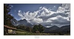 Vegabaño (Jose Antonio. 62) Tags: spain españa león picosdeeuropa vegabaño mountains montañas nubes clouds cabaña cabin