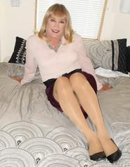 DSCN1777_pp (DianeD2011) Tags: crossdresser cd crossdress crossdressing stockings tg tranny transvestite tgirl tgurl pantyhose