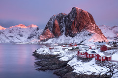 Sunrise in Lofoten (Sue MacCallum-Stewart) Tags: lofoten norway sunrise landscape winter mountains snow houses red village water