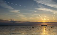 Westerschelde bij Waarde (Omroep Zeeland) Tags: westerschelde waarde wolkenlucht scheepvaart zonsondergang autoliner