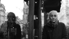 Untitled (Cécile Charron) Tags: france paris noiretblanc nb blackandwhite bnw bw candid people portrait olympus 25mm streetphotography streetphoto street
