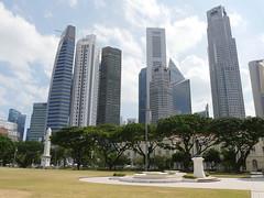 SingaporeRiverColonialDistrict069 (tjabeljan) Tags: singapore asia colonialdistrict singaporeriver colemanbridge oldparliament fullertonhotel themelrion raffles victoriatheatre clarkquay marinabay