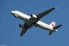pl02juin18aca32023 (lanpie012000) Tags: montreal montréal yul cyul aircanada airbusa320211 cgpwg fin401