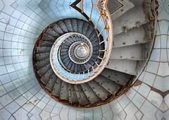 Lighthouse (denismartin) Tags: denismartin lighthouse pharedelacoubre charentemaritime girondeestuary atlanticocean france aquitaine faro phare architecture geometry