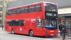 P1150543 VMH2585 LF19 FXK at Highbury & Islington Station Highbury Corner Holloway Road Islington London (LJ61 GXN (was LK60 HPJ)) Tags: metroline metrolinewest volvob5lhybrid mcv evoseti mcvevoseti 105m 10490mm vmh2585 lf19fxk nb990