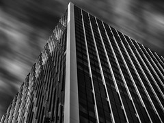 One Bank Street (Sean Batten) Tags: london england uk europe architecture blackandwhite bw onebankstreet canarywharf eastlondon docklands city urban lines sky clouds blur nikon d800 70200 skyscraper
