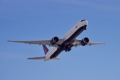 Air Canada (Selfmade//MJ.V) Tags: flugzeug jet airplane aircraft airport munich münchen muc sky canon 600d air canada