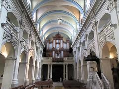 Nave and organ, Église Saint-Polycarpe, Lyon, France (Paul McClure DC) Tags: lyon france july2017 auvergnerhônealpes architecture historic church lacroixrousse