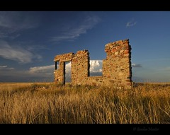 stoic (Gordon Hunter) Tags: stone cobble rock house home abandoned decay prairies ab canada gordon hunter nikon d5000 grass field