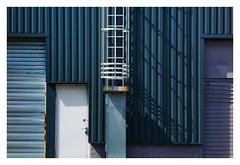 Echelle de gris (Pascal.M (bong.13)) Tags: avignon france vaucluse graphisme graphique facades escalier echelle industriel ombre