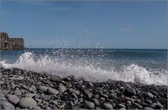 Am Strand / At the beach (ludwigrudolf232) Tags: wasser kies brandung meer gomera la strand